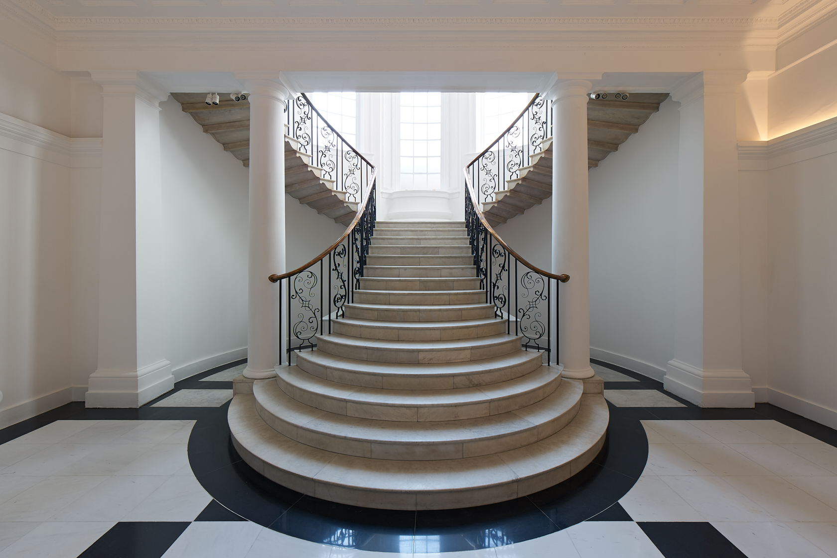 Galerie Thaddaeus Ropac - Dover Street Staircase